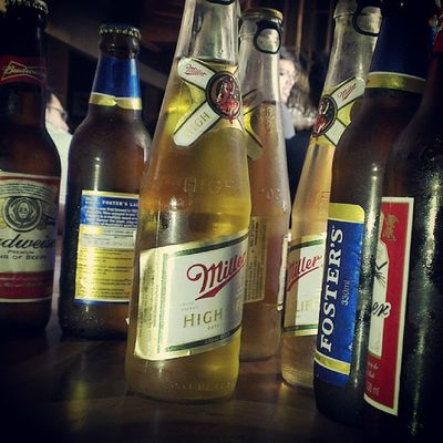 Beauty lies in the hands of beerholder...:pBeer Miller Budweiser Fosters goodlifebeveragestayhighchillhappiness