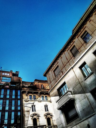 Via Hugo / Via Spadari, Milano, Febbraio 2019 Hdr_Collection Urban City Sky Low Angle View Architecture Building Exterior Built Structure