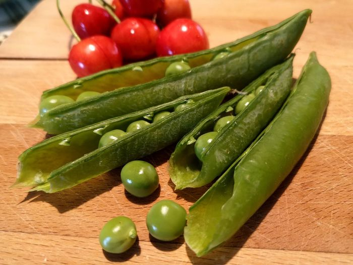 fresh directly from the garden Peas Pea Colourful Nature Simple Countryside Healthy Lifestyle Table Vegetable Close-up Green Color Food And Drink Cherry Tomato Tomato Raw Food