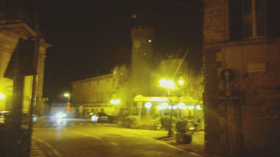 Piazza Torre Streetphotography Nightphotography