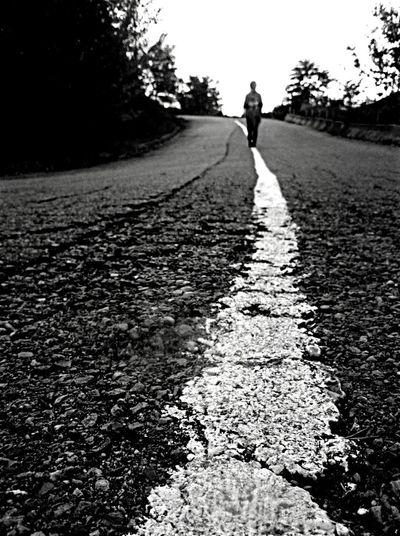 Blackandwhite Noiretblanc Siyahbeyaz Yol Street Chemin Yurumek France Fransa Gurbet