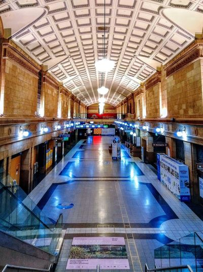 inside the adelaide railway station Floor ShinyFloors Walls/floors/ceilings Floors And Ceilings Ceilings And Floors Light Reflection Deserted Taking Photos Taking Pictures Lighting No People Nopeople Adelaide S.A. Adelaide South Australia Building Interior Building Check This Out EyeEm Best Shots Adelaide Railway Station AdelaideRailwayStation Train Station Adelaide, South Australia Adelaide Architecture Built Structure Railroad Station Interior Ceiling Railway Station Architectural Design