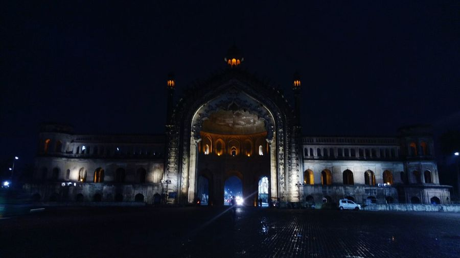 Rumi Darwaza, the 60 feet high gate built by the third #Nawab of #Lucknow, Nawab Asaf-ud-Daula is considered an architectural marvel. It is believed to be identical to an old gate in Istanbul called Bab-iHümayun, and so is also sometimes referred to as #Turkish Gate. The architectural style of the Rumi Darwaza is an example of #Awadhi #architecture and is completely in sync with the Nawabi architecture of Lucknow Adjacent to the #Asafi #Imambara or #Bara Imambara has become a logo for the city of Lucknow. It used to mark the entrance to Old Lucknow City, but as the city expanded it was later used as an entrance to a palace which was later demolished by the British insurgents. I prefer visiting this place in the evening just before the sunset. So that I can experience it in daylight as well as when it is beautifully lit up! #lucknow #lucknowdiaries #traveldaries #lucknowhistory #uttarpradeshtourism #lucknowspecial #lucknowphotography #lucknowtourism #lucknownawabs #cityofnawabs #puneinstagrammers Nawab Lucknow, Turkish Architecture Awadhi Asafi Imambara Bara Lucknowdiaries Lucknowhistory Uttarpradeshtourism Lucknow Traveldaries Lucknowspecial Lucknowphotography Lucknowtourism Lucknownawabs Cityofnawabs Puneinstagrammers Cityscape Lights Summer Exploratorium Visual Creativity