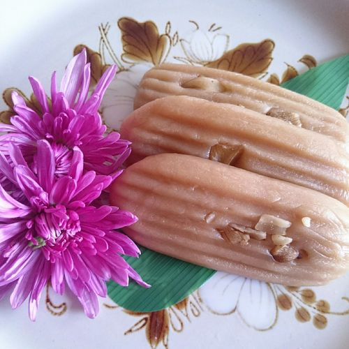 I  am a Japanese sweet, too… Rice Cake Walnuts Chrysanthemum きりせんしょ