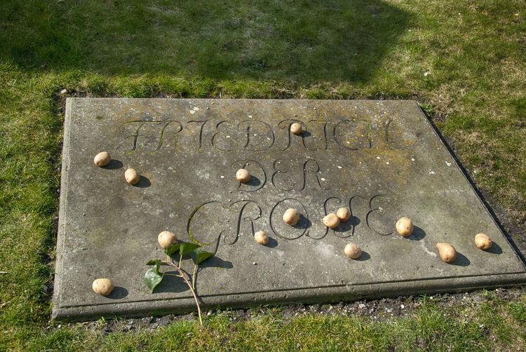 Alter Fritz Be Berlin Capture Berlin Gedenkstätte Gedenktafel Grab Kartoffeln King Potatoes Sanssouci Potsdam Grabmal Friedrich Der Große