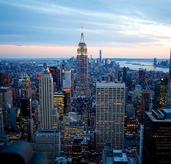 Memorable experience of the NYC skyline with sunset :) Amazing Throwback Moments Newyorkcity Empirestatebuilding Newyorkskyline Superb Evening Memories Lively Newyorkskyline Superb Wonderful View Newyork2015 Empire State Building