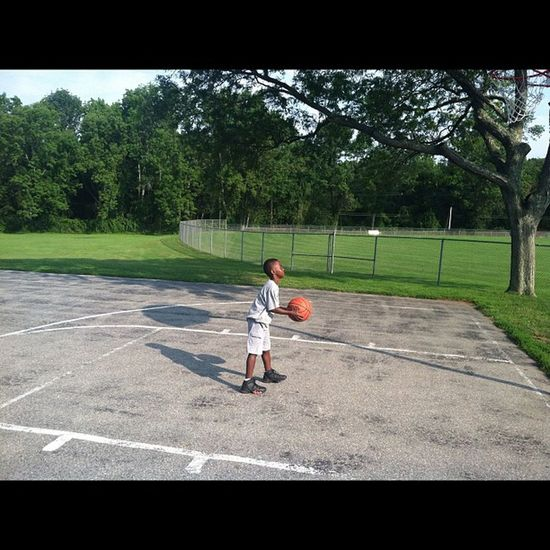 @momarsh84 8:30am gettn some Jumpers  up. TheLoveOfTheGame Hoopdreams Early InstaNBA InstaFuture Son