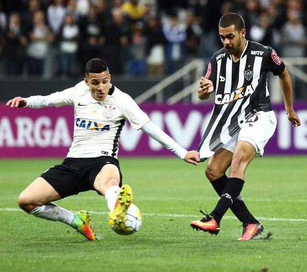 Campeonato Brasileiro de Futebol 2016 - Série A. Corinthians x Atlético MG Photo Sports Photography Canonbr Gettyimages First Eyeem Photo