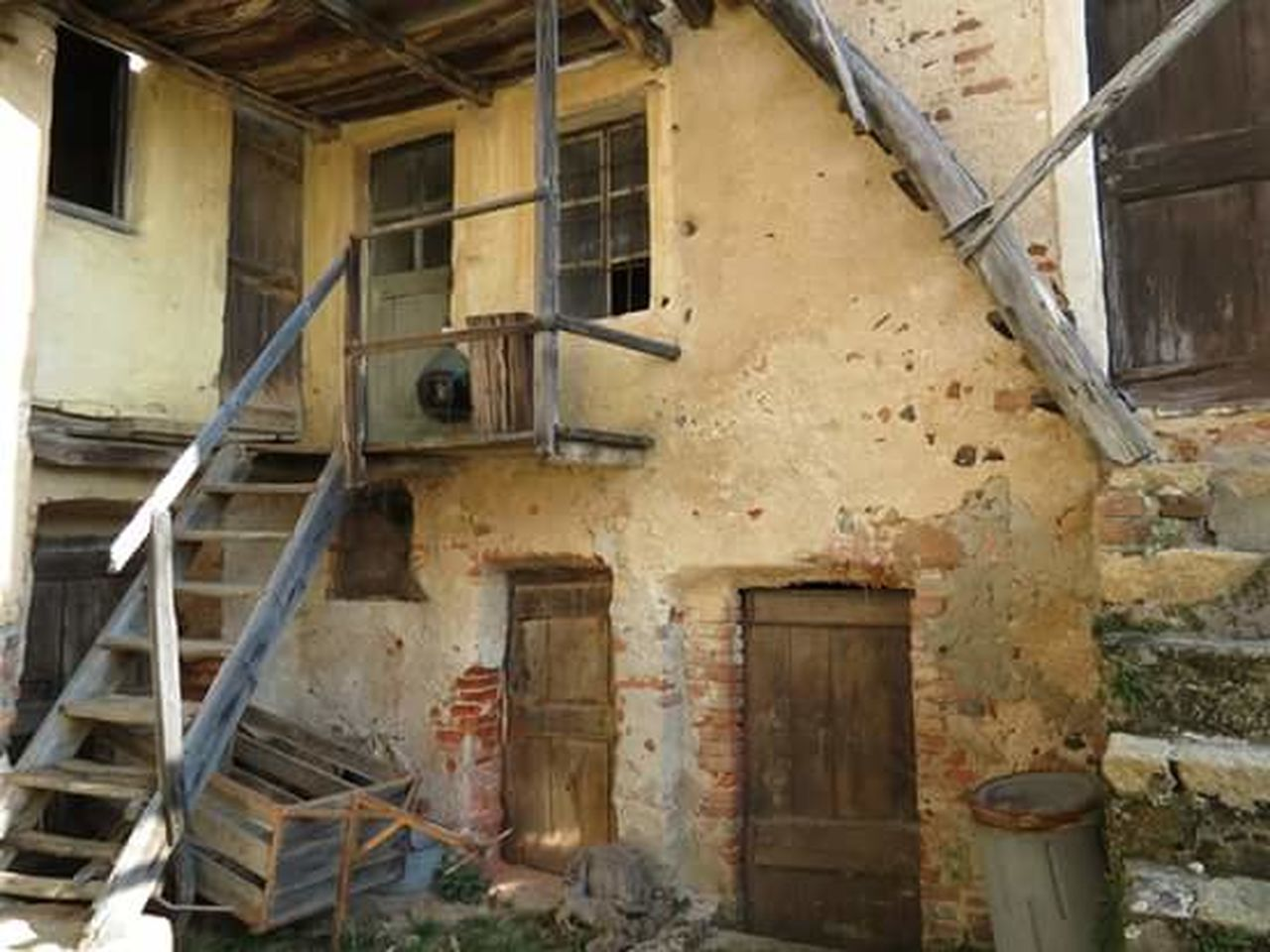 architecture, abandoned, damaged, door, built structure, window, destruction, building exterior, no people, rotting, day, indoors, prison