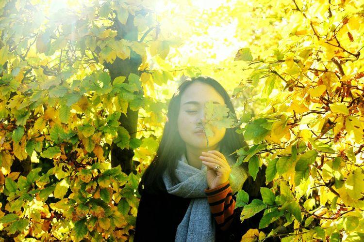 Hello, autumn🎑 你好,秋天。 GERMANY🇩🇪DEUTSCHERLAND@ Hanging Out Hanging Out With Friends Sunshine ☀ The Week On Eyem Selfie Portrait Me Autumn Autumn Leaves Potsdam Potsdam Park Sanssouci Good Day Colour Of Life