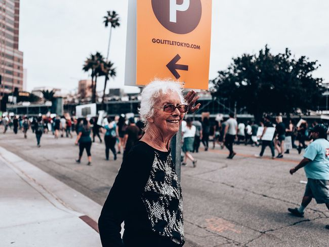 👵🏻 Anaklosangeles Streetphotography Street Senior Adult Senior Women Real People Senior Men Outdoors Retirement Day Lifestyles Women Gray Hair Happiness One Person Sky Adult People Adults Only The Week On EyeEm EyeEmNewHere