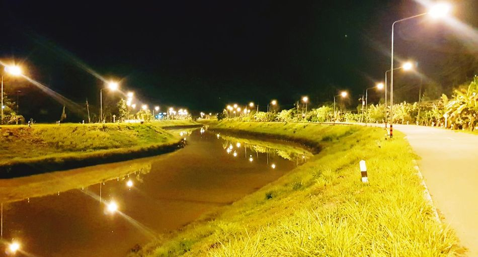chang camera 😄 #memory Lane Illuminated Tree Water Street Light Lighting Equipment Sky