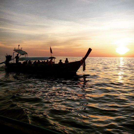Cuando trabajas en algo asi sabes que merece la pena el esfuerzo. Apetrip Thaitrip Thailand Travelife Travelgram Travel Viaja Hardjob Bestjob Sun Mayabay