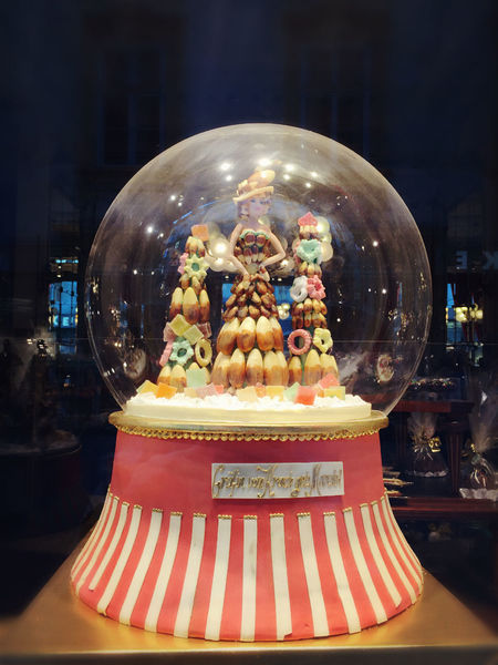 Fairytale  Window Window Shopping Bakery Vienna Check This Out Holidaydessert Visualmerchandising Travelling