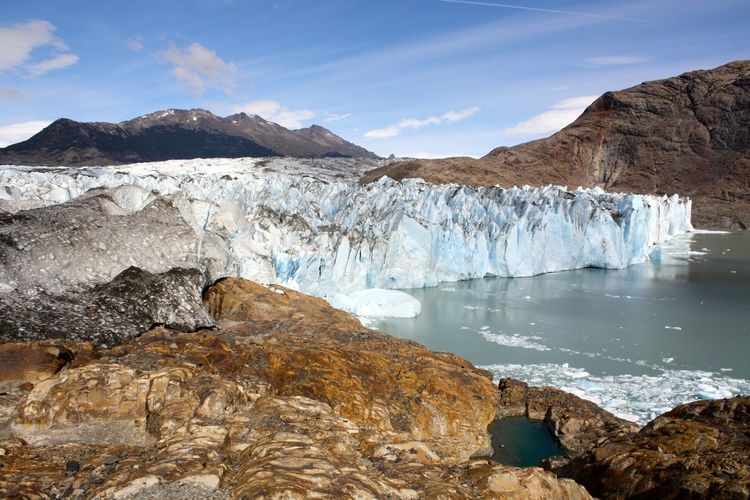 Mountain glaciers melting and causing sea level rise