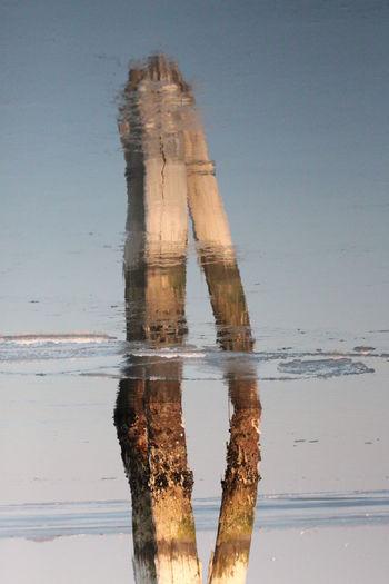 bricola veneziana Bricola Mare Laguna Di Venezia  Riflessi Riflessi Sull'acqua Riflesso Specchio Sea Wood Nature Venice, Italy