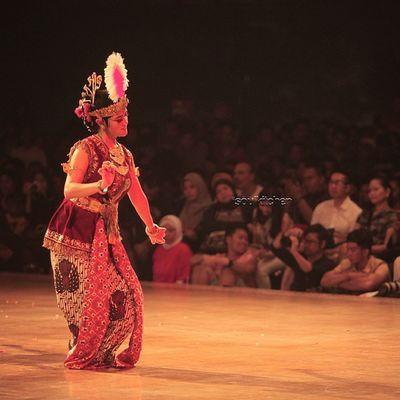 SACRED DANCE Oyikk Worlddanceday Solovely Instadaily dance indonesia love