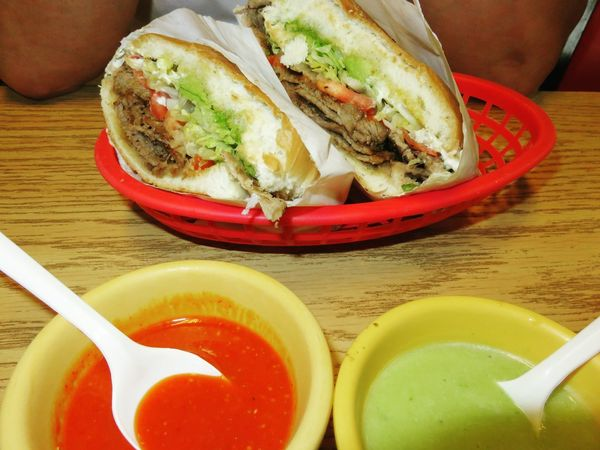 TortasFritas Chili Sauce Freshness Spicyfood Lunch Time Mexican Torta Table Close-up Food And Drink Ready-to-eat Prepared Food Halved