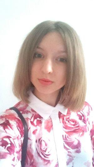 Привет, меня зовут Оля, будем знакомы:) хештег:Оля любит стены хештег:Оля такая Оля