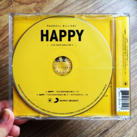 Because I'm happyyyyyyyy!😙😙😙 Happy Pharrellwilliams Single Becauseimhappy Yellow