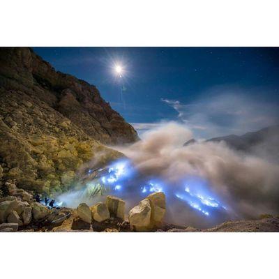 Gunung Ijen - Banyuwangi INDONESIA Mountains Ayodolan