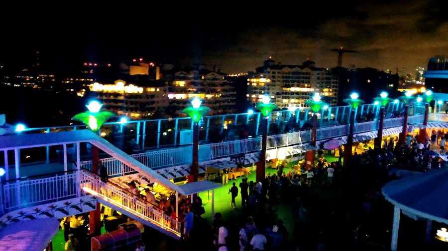 Cruise Ship Cruising Enjoying Life Vacation Time Lightning Bold And Beautiful Bright_and_bold Light And Shadow Party At Sea