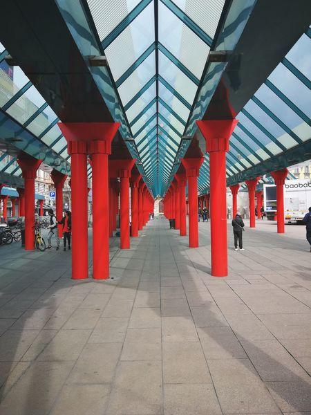 Pillars Milan Cadorna Train Station Red Pillars Perspective Bridge - Man Made Structure Diminishing Perspective Built Structure