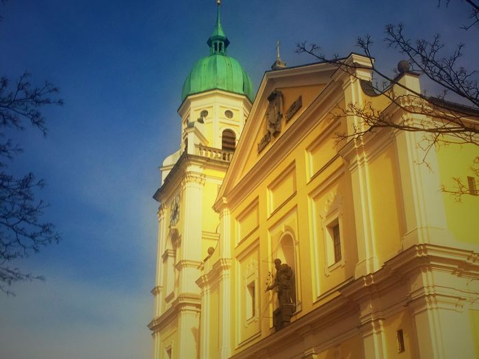 Spring Skies Grandpas Churches Munich Walkabout