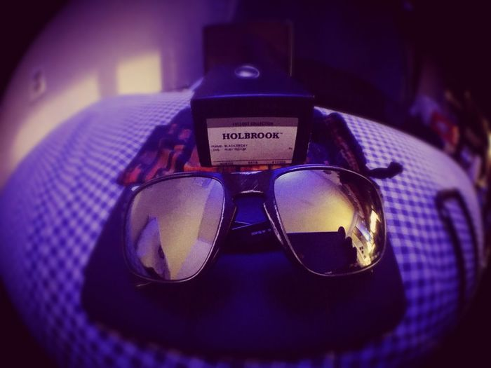 Oakley Holbrook Check This Out black decay polarized limited.