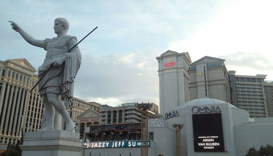 another repost From about 3 months ago when i was in vegas Ceasars Palace Las Vegas Omnia Dj Jazzy Jeff Statue Hotel Casino Viewpoint Architecture Design