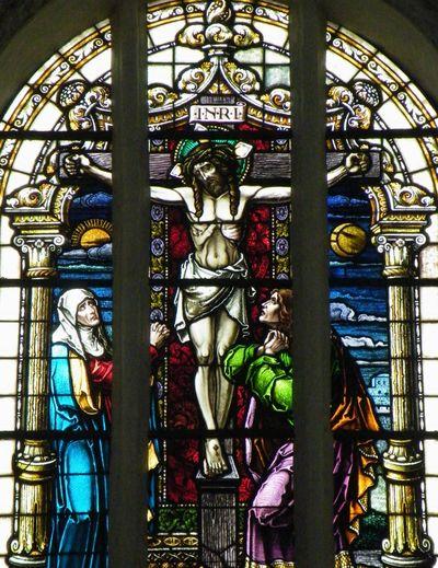 Kirchenfenster Kirche Fenster Window Windows Church Churchwindow Churches Jesus Jesus Christ Kreuzigung Kreuz  Cross INRI