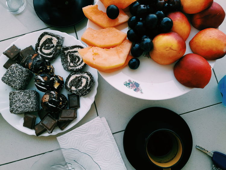 Frutta Fruits Peach Peaches🍑 Grapes 🍇 Sweets Sweet Food Turkish Coffee Coffee Time Frends Moment Summertime Summer ☀ Summer Vibes Colors Leonorasinishtaj