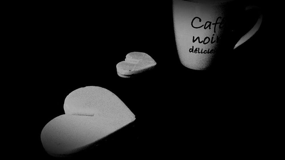 Un cafè.. morena mia.. Avui i sempre m' atrau i atraurà aquest home😜 http://youtu.be/i92EecPWFSo Coffee CoffeTime Coffemy Xocolat Hablamesinpalabras Xocolata Breakfast ♥ Coffe❤️ Xocolove