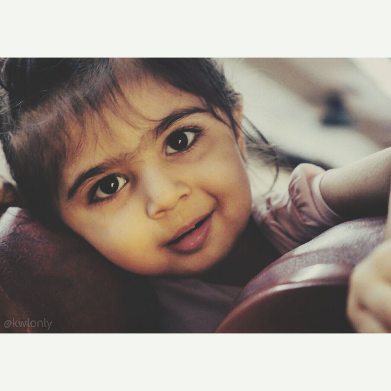 childhood, innocence, looking at camera, cute, portrait, smiling, happiness, child, indoors, love, bonding, close-up, togetherness, real people, two people, friendship, people