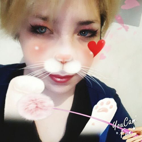 Kitty Cat Eyesblue Headshot Person Looking At Camera Blond Hair Selfie ✌ EyeEm Gallery Funny Faces That's Me Miau❤️ 😚 Youcamfun