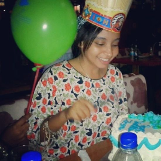 When I was turning 16 last year. Thanks to my Guardian Father for the photo. TotoyaMajey MajizzoFoshizzo ♡ Birthdayggurl Anotheryear Alhamdulillah 2Hourstogo Cant wait to be 17!!