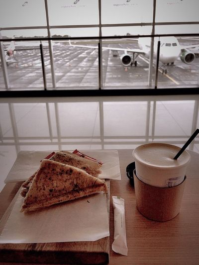 Waiting Plane Flying Coffee Time Back To Home