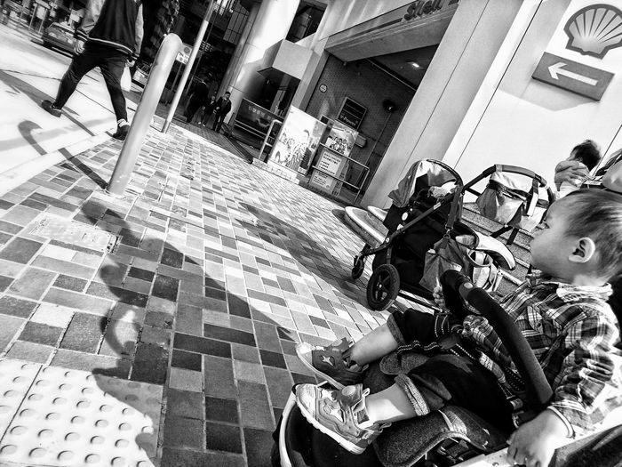 Streetphotography Monochrome Bw_collection Bnw_collection Snapshots Of Life Black And White Street Photography Dailylife Black&white NEM Black&white Bnw_captures Urban Exploration Black And White Photography Urbanphotography Black & White Photography Noir Et Blanc Black & White Lensculture Sony Xperia XperiaZ5 Dailyphoto Mobilephotography Eye4photography  AMPt Community Citylife