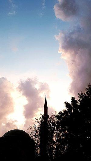 Gökyüzü Ve Inanç.