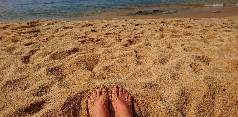 Día Beach Human Leg Sand Outdoors Summer Catalunyagrafias Catalunyaexperience Calella De Palafrugell, Costa Brava Catalunya Barcelona Catalunya Lliure Bon Dia! Vida Tranquility Somosfelices Hot Days Of Summer Roadtrip Photography Relaxing Moments