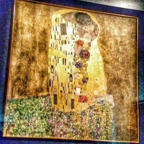 Gustav Klimt The Kiss Long Night At Museum Art