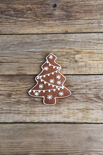 Christmas Decoration Gingerbread Cookies Food Homemade Wood - Material Cookie Baked Table Gingerbread Cookie Holiday Sweet Food Celebration Still Life No People Indoors  Sweet Directly Above Shape Pattern Icing Tree Temptation