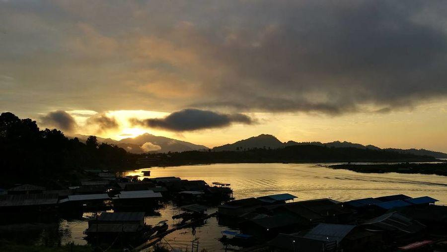 Sunrise Beauty In Nature Mountain No People Outdoors Nature Cloud - Sky Sky Thailand กาญละครั้งหนึ่ง