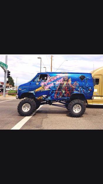 4X4 MERICA!! Mudboggin Customvans 4x4