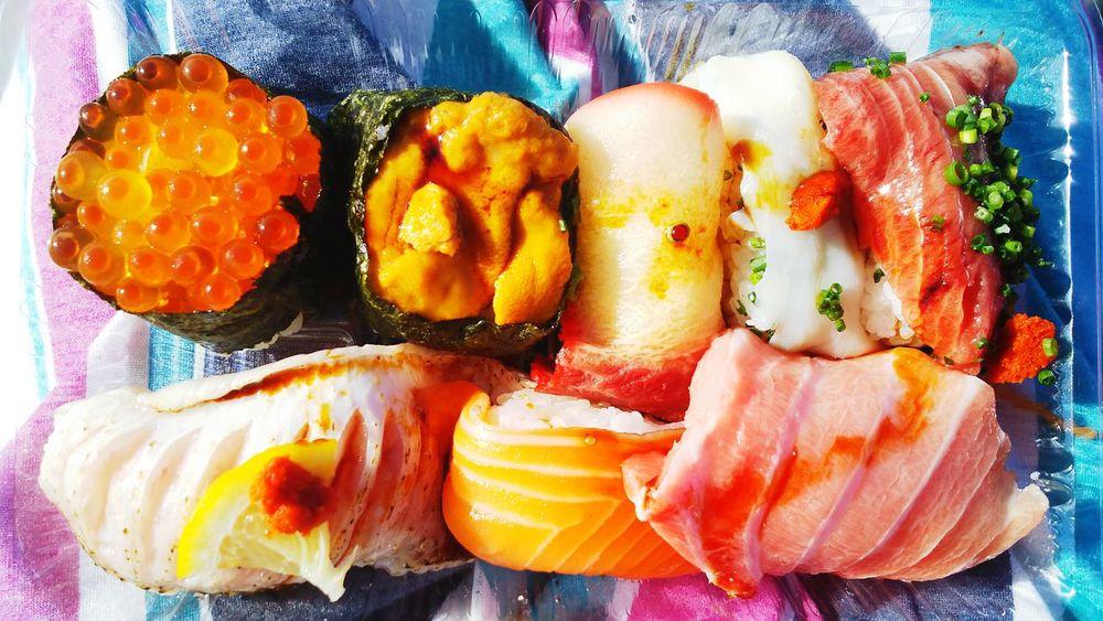 美味しすぎて寿司を食べているのか、自分が寿司に食べられているのか分からなくなりました。絶品。 Japanese Food Japan お刺身 海の幸 ひとり旅 バックパッカー 山口県 下関 唐戸市場 美味しい Delicious Happy 日本 Colorful カラフル Sushi 寿司 Food Freshness Seafood No People Ready-to-eat First Eyeem Photo