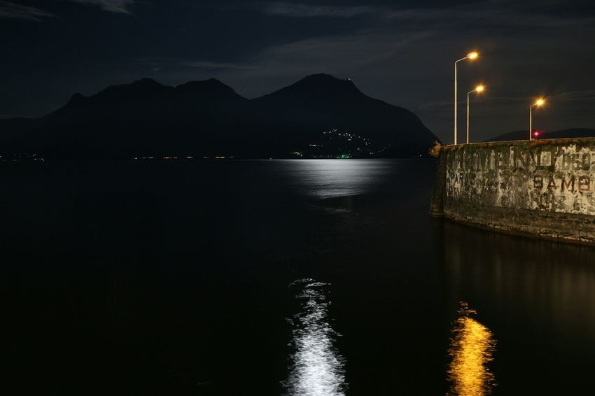 Gardasee Gardasee,Italien First Eyeem Photo Capture The Moment Holiday POV Check This Out Getting Creative Night View Nachtaufnahme Night Lights Night Night Photography