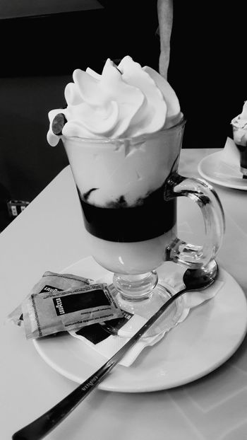 Relaxing Taking Photos Hi! First Eyeem Photo Tivoli Coffee Time Coffee Break Black And White BLCK&WHT