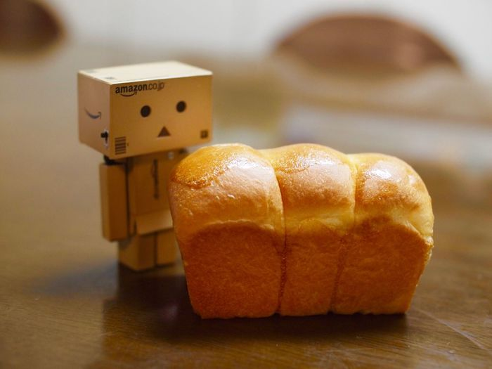 <3 Amazon Baked Bread Brown Close-up Danboard Food Freshness Healthy Eating Indoors  Limited Love Sweet Food Table ダンボー ダンボー!