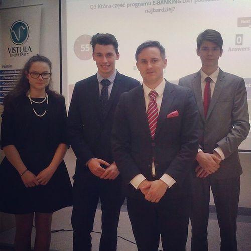 Wspólne Zdjecie Z 30 .04.2015 na Vistula University z laureatami konkursu Vistula E-Banking Day 2015 z II Liceum Ogólnkształcączego w Opolu! Gratulacje :-)