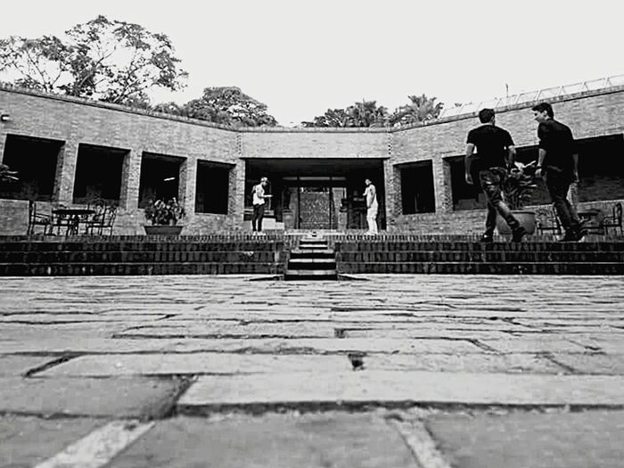 Architecture People Tranquil Scene Architecture Real People Arquitecturephotography Love Architecture Fine Art Photography Space Arquitecturestyle Scenics Art PracticeMakesPerfect Blackandwhite Friends Student Life Studio Photography